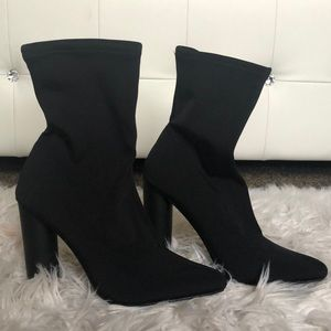 Fitted Cylinder Slip-On Boot Heels